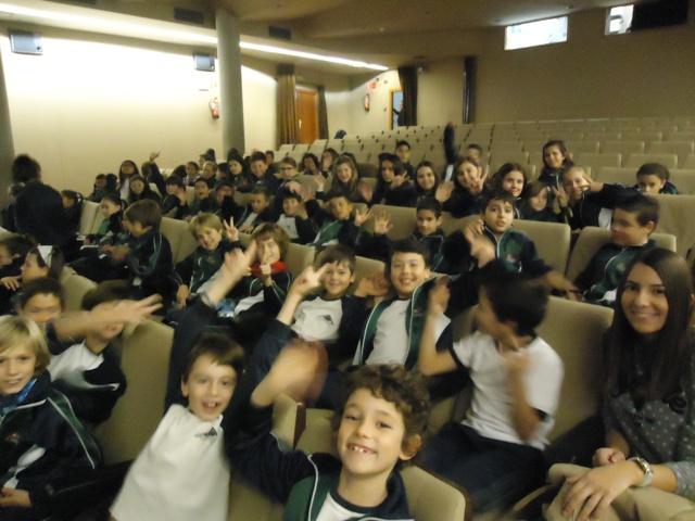 Los Alumnos/as de 3º y 4º de primaria vamos al cine