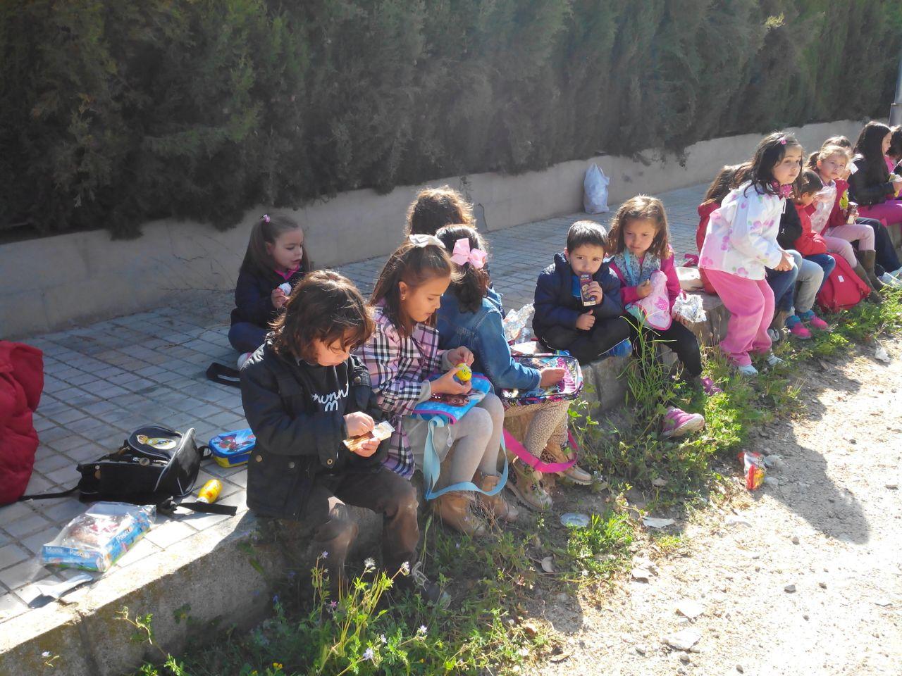 57 niños participan en las jornadas de pascua en las carmelitas
