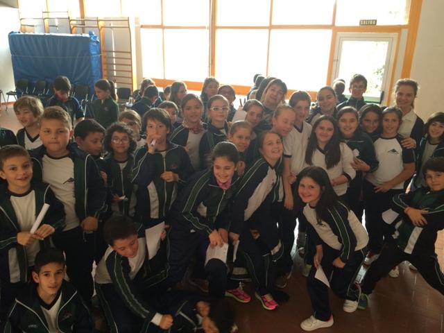 Los alumn@s de 1º a 4º de Primaria disfrutan con la danza