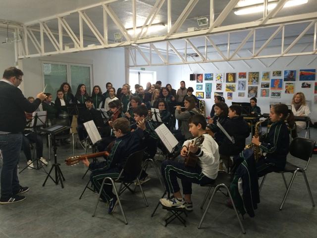 Actuación del Coro y la Orquesta del cole